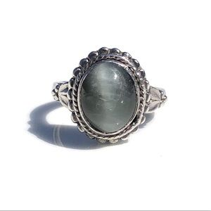 Vintage Sterling Silver Ring Size 7 Cat's Eye